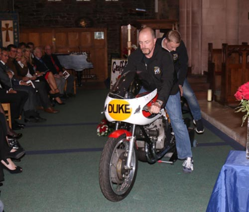 Mark Kay fires up the Gilera at the Geoff Duke Memorial Service